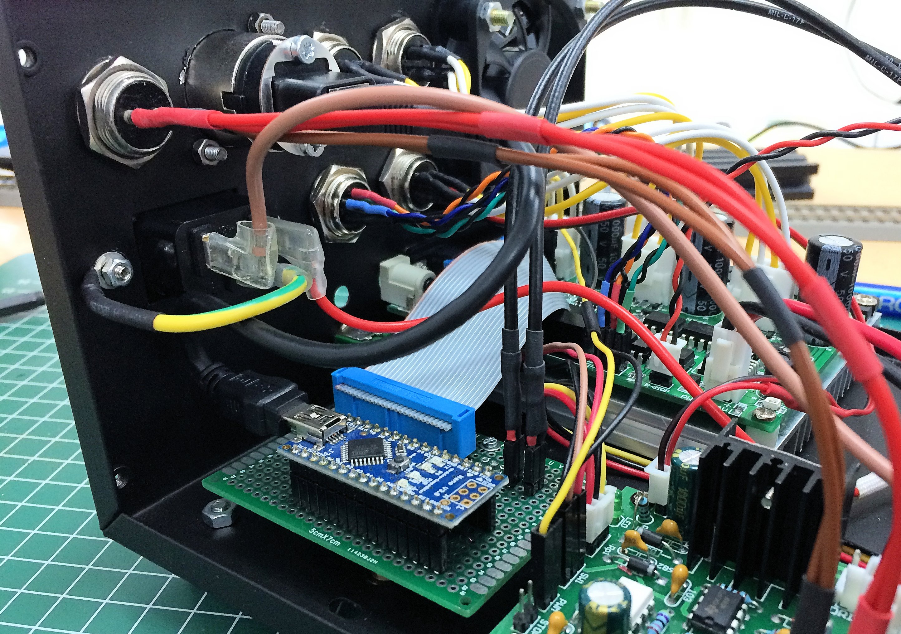 China Cnc 3040z Dq Running Grbl Limit Switches Wiring Diagram As Well Switch Just In The Middle You Can See Connector Also Note Two Black Wires That Connect To Nano Board Ill Get Back Those Later